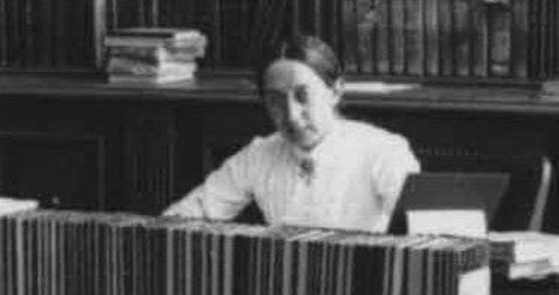 ELZA KUČERA – psihologinja, filozofkinja, knjižničarka